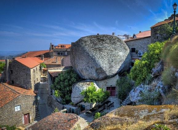 Život pod stenama u Portugalu