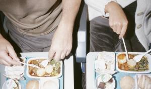 Avionski bonton: Ko ima više prava na naslon za ruke?