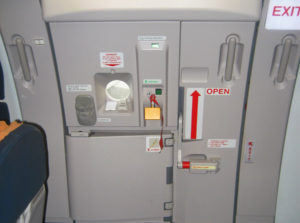 Otvaranje vrata aviona tokom leta?