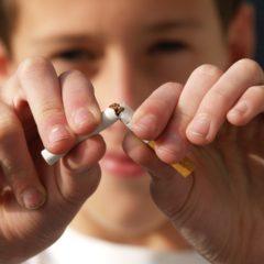 Oprez, visoke kazne za pušenje u kolima