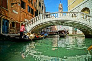 U Veneciji kazna za jedenje sendviča na ulici