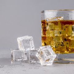 Da li alkohol treba proterati iz aviona i sa aerodroma