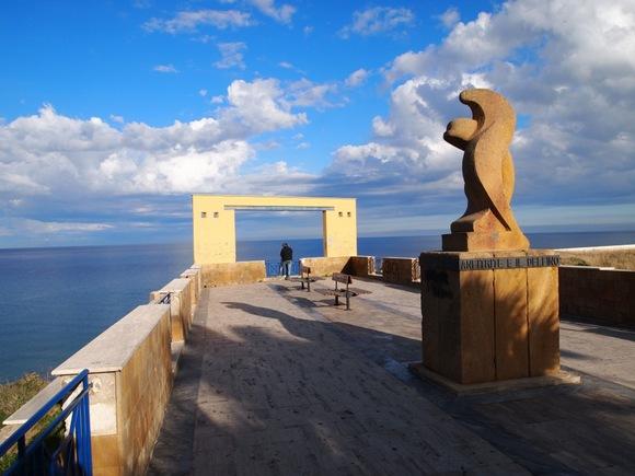 Balestrate je ribarsko seoce na Siciliji koje tokom letnjih meseci postaje popularna turistička destinacija