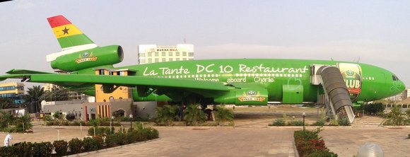 La Tante je restoran u avionu u blizini međunarodnog aerodroma u Akri