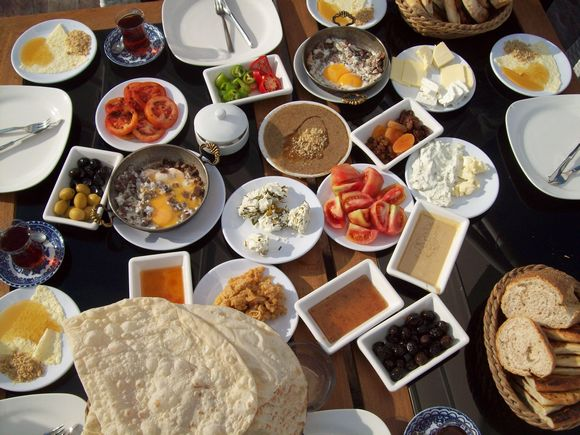 Kahvalti je tradicionalni turski doručak