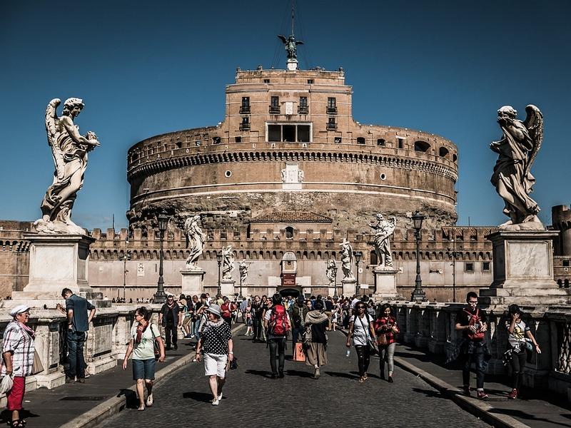 Nova pravila i nove kazne za turiste u Rimu