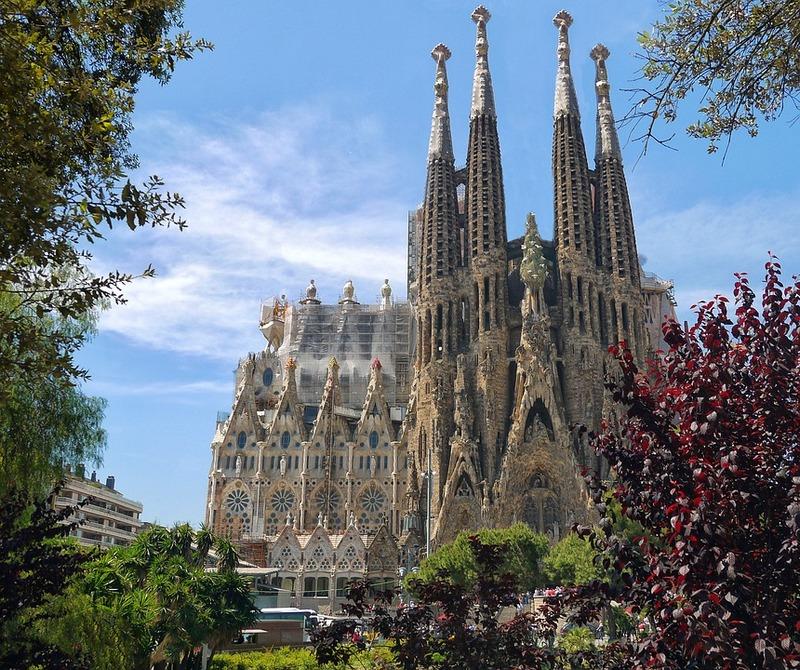 Barselona je jedna od evropskih destinacija koje se guše u isparenjima sa kruzera