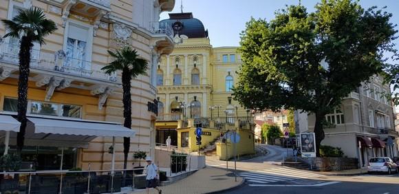 Ulice Opatije krasi elegantna arhitektura