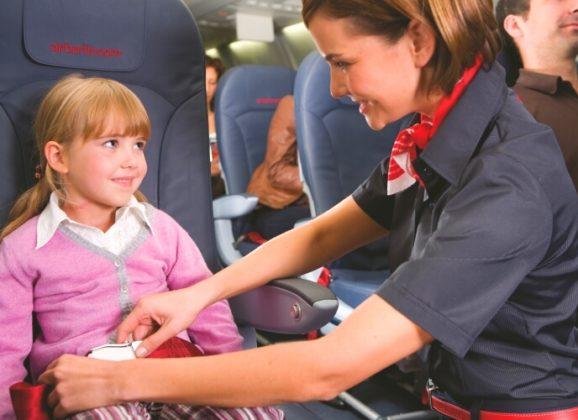 Aviokompanija razdvojila majku i bebu na letu