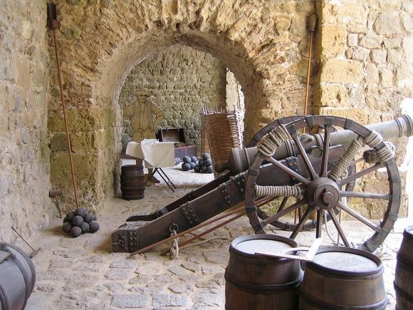 Za ljubitelje istorije poseta zamku je nezaobilazna stavka u itinereru