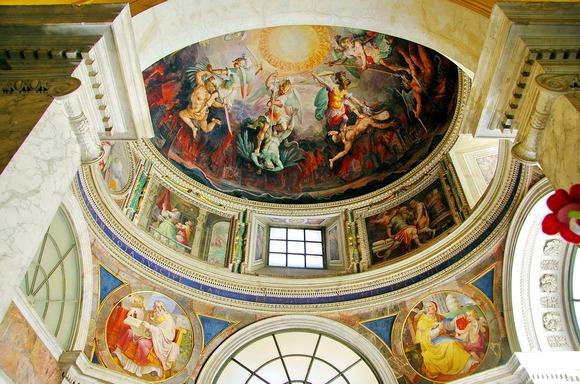 Iako je gužva u Vatikanu neizbežna, poseta je vredna svakog truda