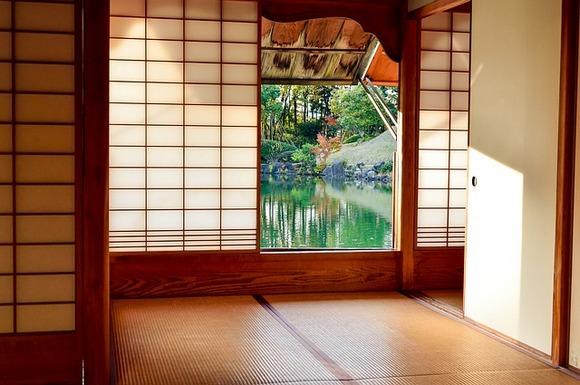 U Japanu postoje složena pravila ponašanja koja se, između ostalog, odnose i na kućne posete