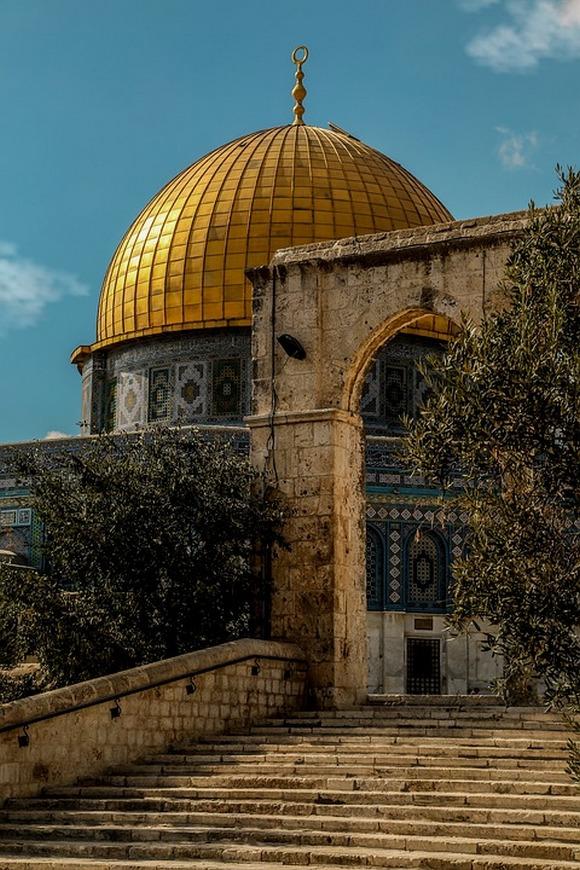 Al Aksa je podignuta na mestu srušenog Jevrejskog hrama