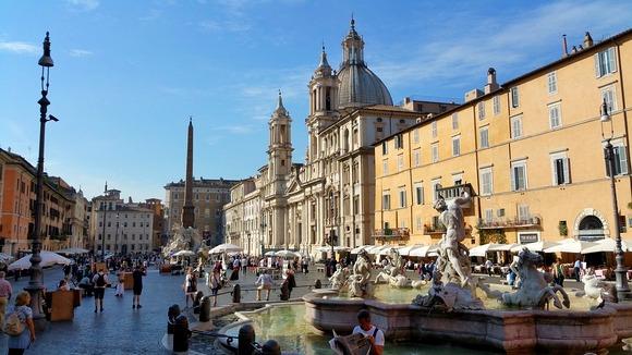Trg Navona je jedan od najživopisnijih gradskih trgova Rima