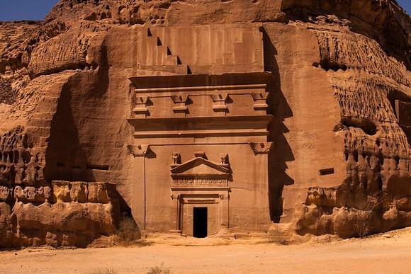 Nabatejske grobnice u pustinji bimogle postati jedna od najvećih saudijskih turističkih atrakcija