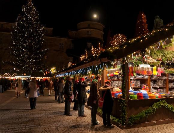 """Jedna od najpopularnijih """"božićnih"""" destinacija u Nemačkoj je Štutgart, čiji veliki božićni market je otvoren od 27. novembra do 23. decembra"""