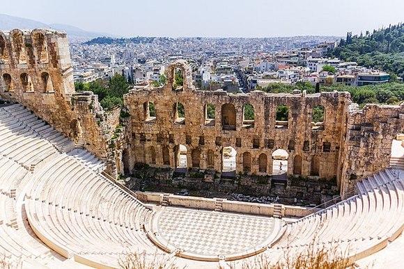 Odeon Heroda Atika je Polukružni kameni amfiteatar na otvorenom, koji se nalazi na jugozapadu Atine