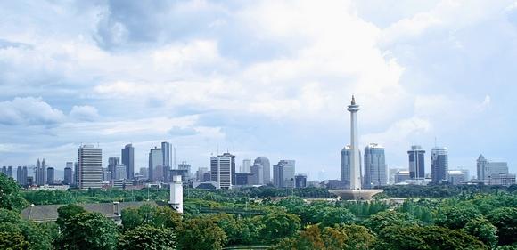 Džakarta je trenutno centar državne uprave, finansija, trgovine ii poslovanja zemlje