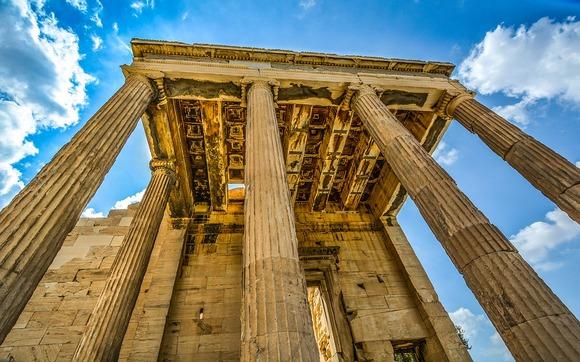 Partenon je najpoznatija građevina Akropolja, veliki hram koji potiče iz perioda od pre 2.400 godina