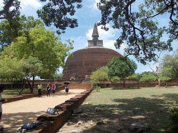 Četvrta po veličini budistička stupa u zemlji izgleda veoma impresivno