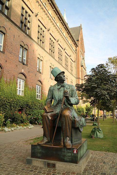 Statua Hansku Kristijanu Andersenu u Kopenhagenu