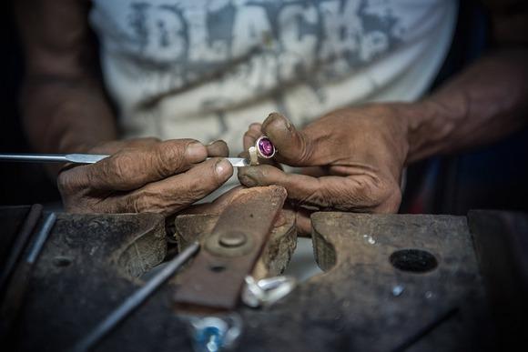 Šri Lanka je bogata dragim kamenjem