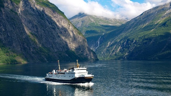Norveški fjordovi su u svetu poznati po svojoj lepoti, ali Geirangerfjord i Nærøyfjord se među njima posebno izdvajaju