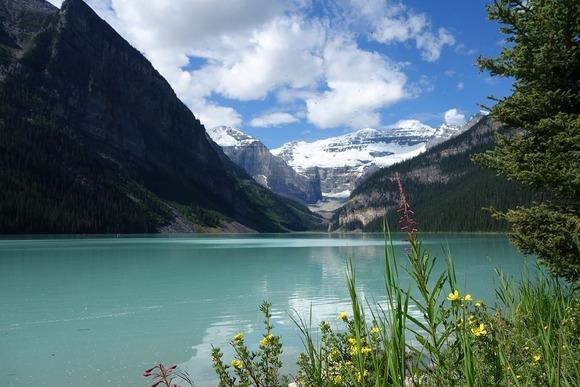 Smešten u kanadskim Stenovitim planinama, nacionalni park Banff je pravo čudo prirode