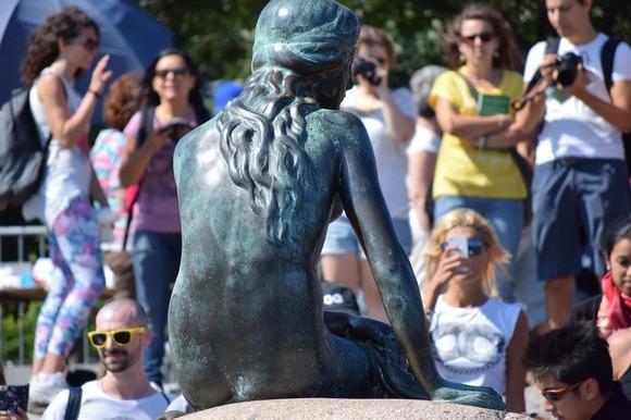 Simbol Kopenhagena je statua Male sirene