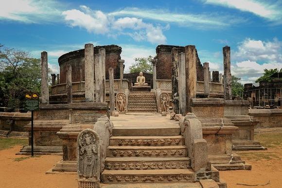Polonurava je jedna od tri stare prestonice Šri Lanke