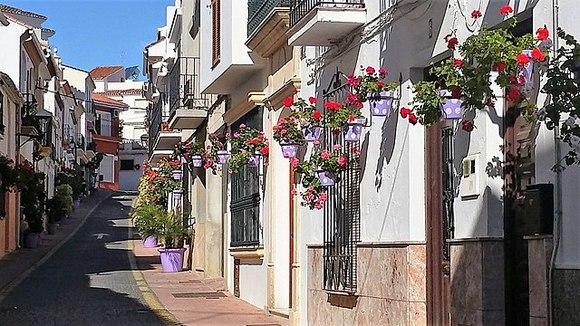 Estepona je mali grad na obali koji je zadržao svoj nekadašnji karakter