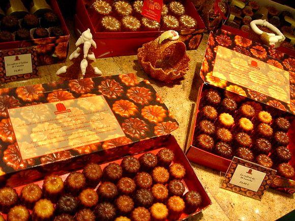 Kanele su kolač karakterističan za Bordo i mogu se naći na svakom koraku