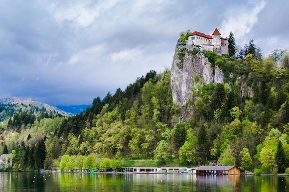 Bilo da ste krenuli na drugi medeni mesec, putujete sa decom ili sami, Bled u Sloveniji je jedno od najslikovitijih mesta u Evropi