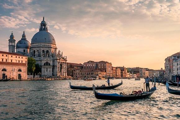 U Veneciji nikada ne manjka jedinstvenih turističkih sadržaja, ali dve nove izložbe ne treba propustiti ove jeseni