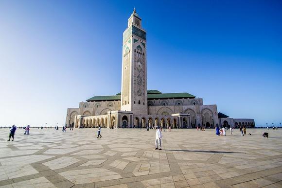 U kazablanci Obavezna je i poseta džamiji Hasana II, koja je izgrađena devedesetih godina prošlog veka