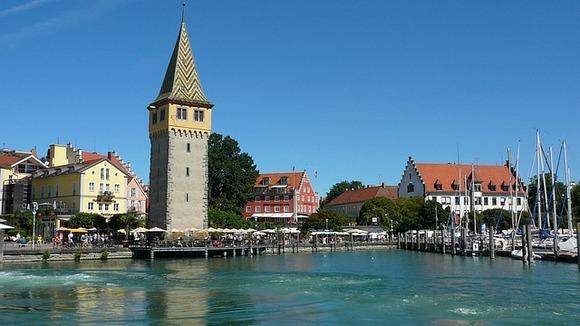 Živopisni gradovi rasuti su duž obale Bodenskog jezera na jugu Nemačke, koje se nalazi između pokrajina Bavarska i Baden Virtemberg