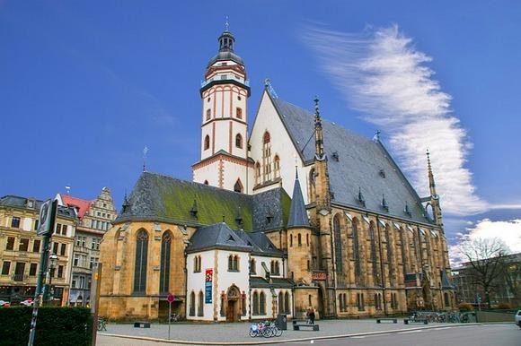 Prvo mesto koje bi trebalo da posetite je crkva Svetog Tomasa, gde je Johan Sebastijan Bah bio na čelu crkvenog hora od 1723. godine pa sve do svoje smrti 1750. godine