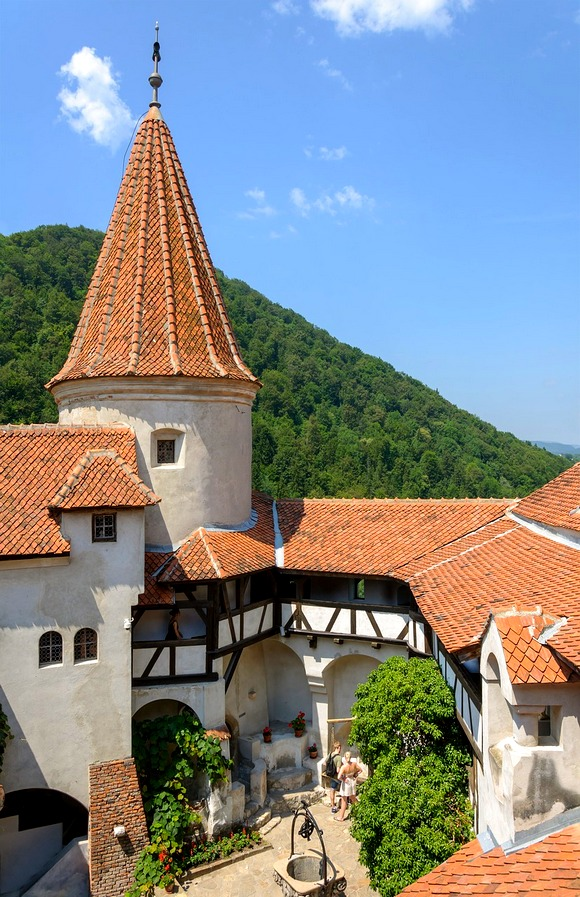 oznat i kao Drakulin zamak, Bran je popularna turistička atrakcije Rumunije