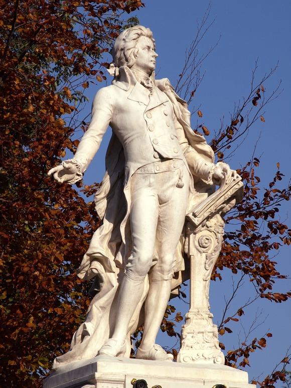Mocart je prvi put nastupio za caricu Mariju Tereziju u bečkoj palati Šenbrun