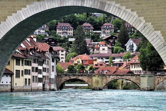 Švajcarska turistička organizacija je 2015. godine kreirala Veliku švajcarsku rutu, koja se prostire dužinom od preko 1.600km širom ove zemlje