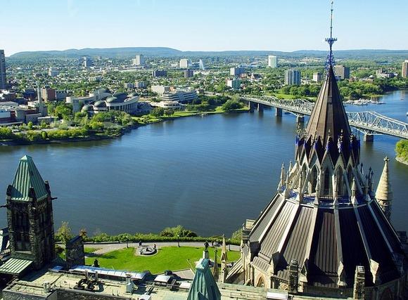 Otava je smeštena je u jugoistočnom Ontariju u blizini granice sa Kuebekom