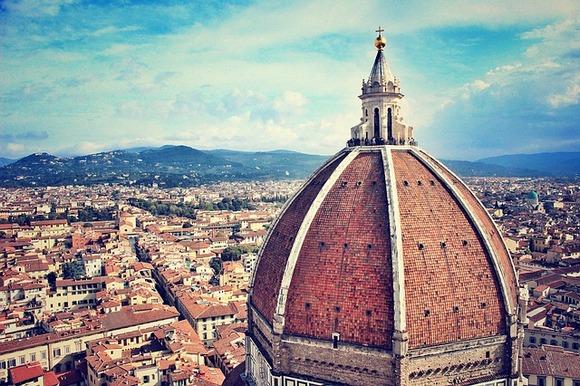 U muzejima Firence smeštena su brojna remek-dela renesansne umetnosti. Najpoznatiji su Uffizi (važna dela Botičelija, Karavađa i Da Vinčija) i Galleria dell'Accademia (ovde se nalazi Mikelanđelov David)