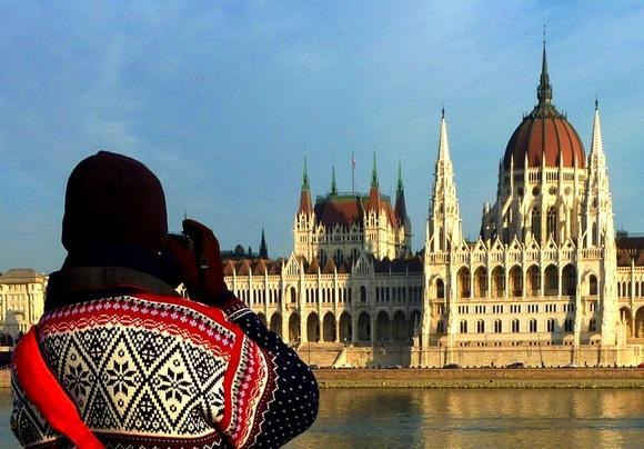 Zahvaljujući ugodnoj atmosferi sa romantičnom arhitekturom i bogatom kulturom, Budimpešta je mesto gde se osećate kao u klasičnom božićnom filmu