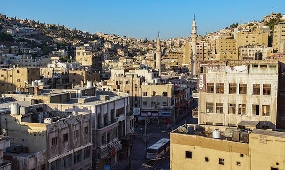 Kada pomislite na Jordan, prva asocijacija je: tamo će biti previše vruće, suvo i veoma sunčano. To je delimično tačno ukoliko Jordan posetite između maja i septembra