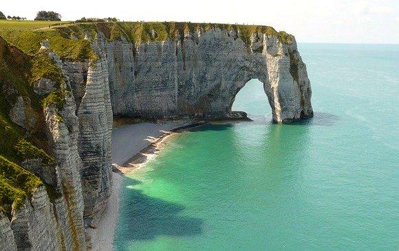 Plaže Normandije ušle su u svetsku istoriju kao ishodište jednog od najvažnijih događaja Drugog svetskog rata - Iskrcavanja u Normandiji