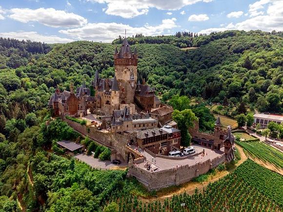 Rajhsburg Kohem (poznat i kao Imperijalni dvorac) može se pohvaliti bogatom istorijom