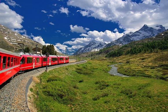 Švajcarska je zemlja sa fenomenalnim transportnim sistemom, ali daleko od toga da je jeftina