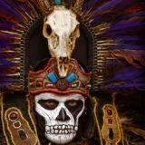 Potomak starih Asteka, prilikom folklorne ceremonije u nacionalnom parku El Tepozteco, u blizini Meksiko Sitija