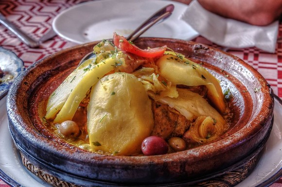 Gastronomija je važan deo putnog iskustva, a marokanski tažin od jagnjetine i kruške, tajlandski zeleni kari ili španski gaspačo najukusniji su kada ih degustirate u zemljama iz koji potiču
