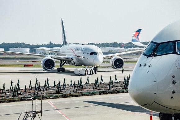 Aviokompanije uglavnom ne dozvoljavaju nošenje kanabisa na let